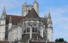 Auxerre : un incendie touche le choeur de la cathédrale