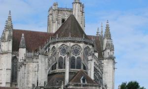 la-cathedrale-d-auxerre