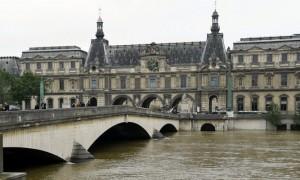 Louvre crue seine